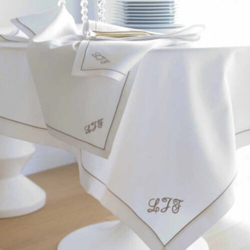 table_linen_tablecloth_personalized_embroidery_initials