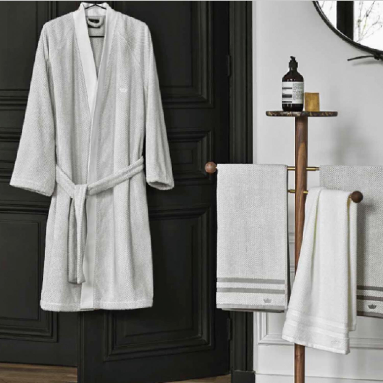 001 descamps organza bathrobe