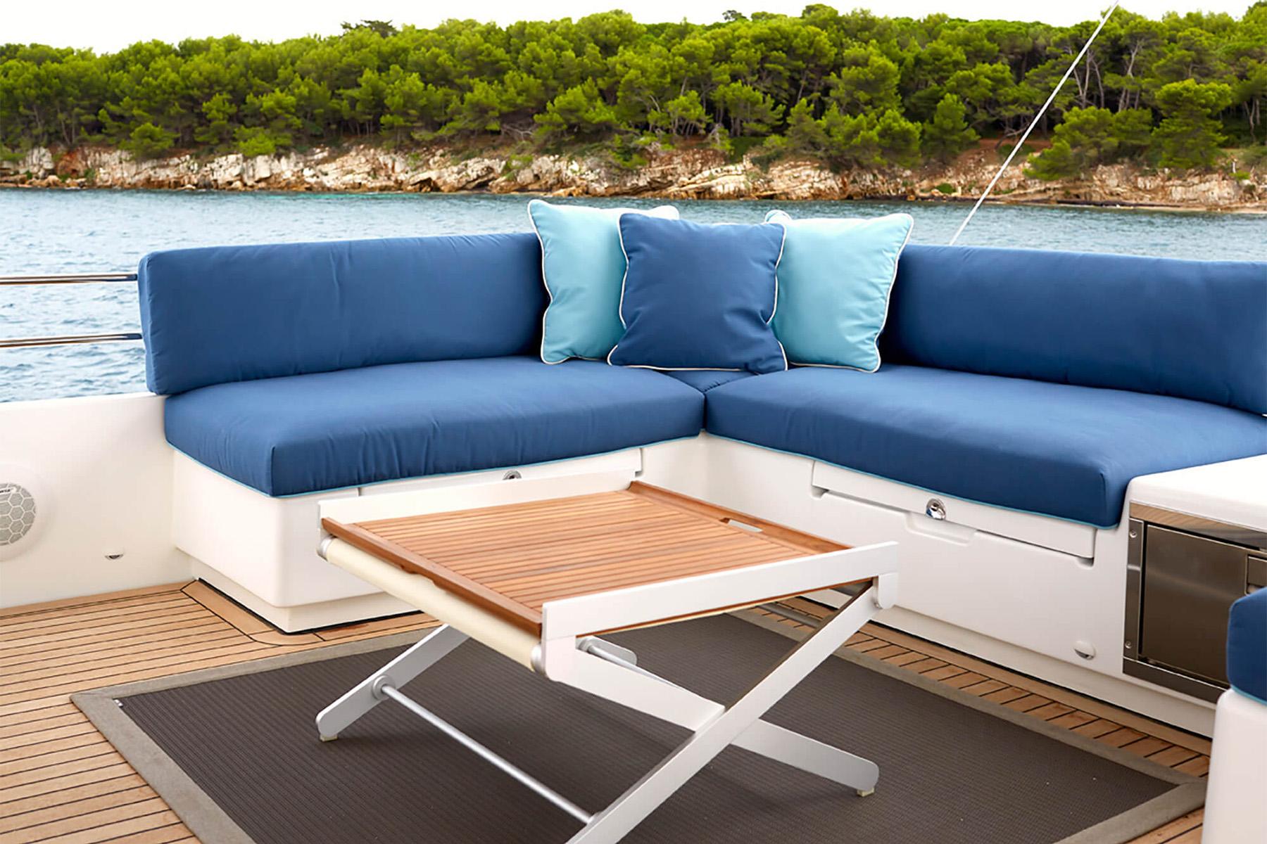 FOTO2 cushions pillows blue boat