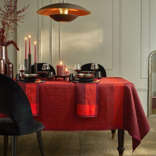 Le_jacquard_français_table_linen_Burgundy