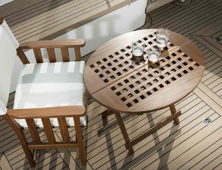 outdoor_wood_table