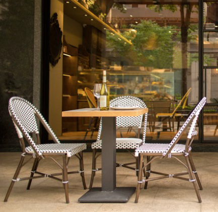 outdoor_furniture_table_chair