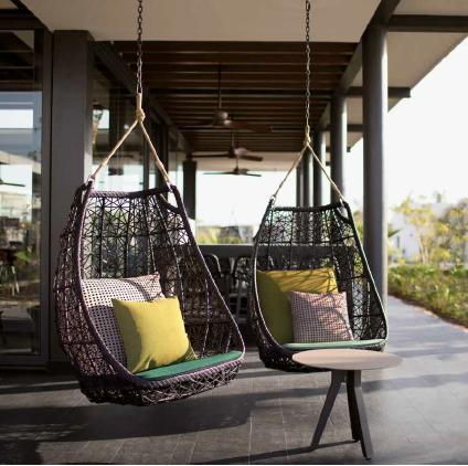outdoor_furniture_classic_hamptons_design_lounge_chair__flying_sofa_table_set_cushion_set