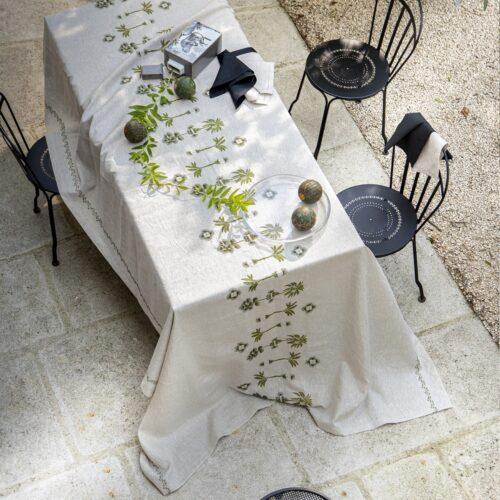 Tablecloth_lin_brodé